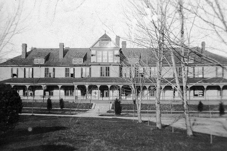 Guilford Residence Hall, 1910