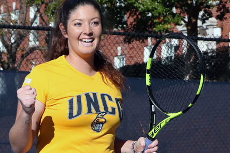 UNCG tennis player