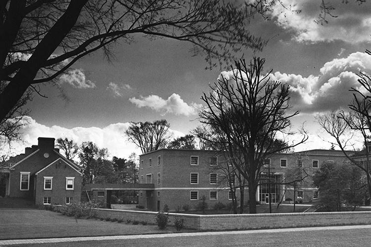 Elliot Hall, 1953